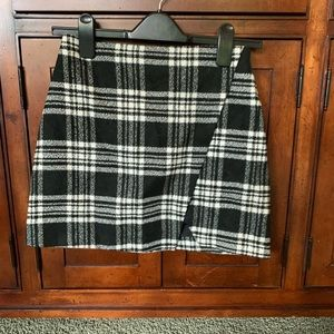 Plaid black and white miniskirt